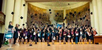 Suntem mândri de voi: O noua generație de absolvenți FSE!
